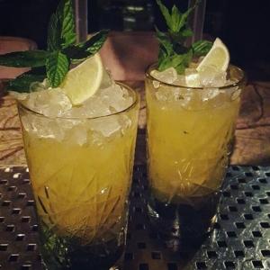 aquarella-kardamili-cocktails.jpg